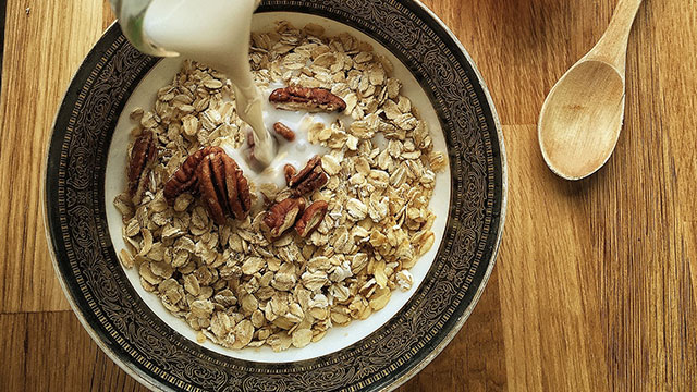 What is Nutrition: Debunking Common Breakfast Ideas