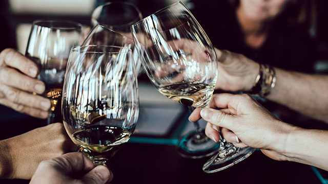 Can Alcohol Help You With Negotiations?